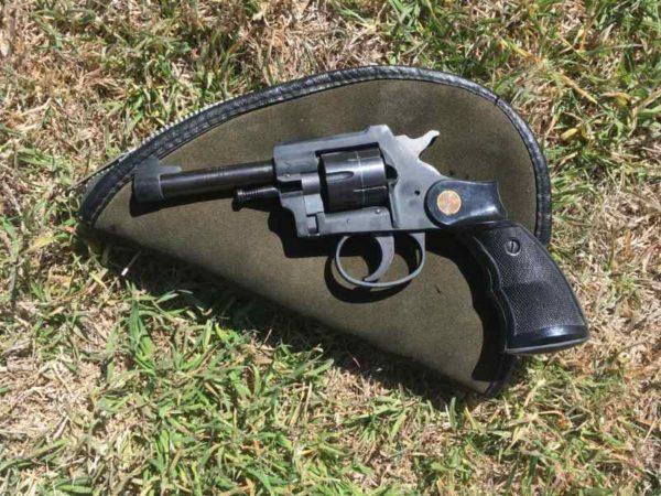 Burgo 22 revolver 1 600x450 - Burgo 22 revolver